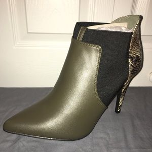 Olive green snake skin (faux) leather ankle boot-W